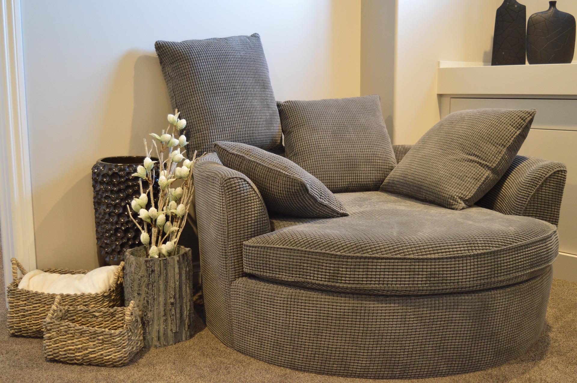 sofa-1078931_1920