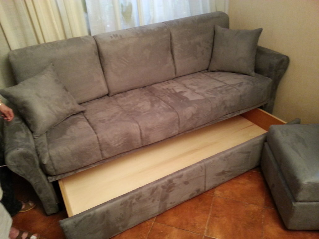 Poltrone e sofa via prati fiscali roma poltrone e sofa for Divani roma